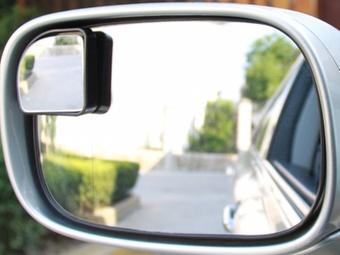 盲点镜安装位置图 盲点镜安装位置 汽车盲点镜